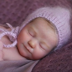 REALBORN® JUNE dormida. KIT JUNE SLEEPING